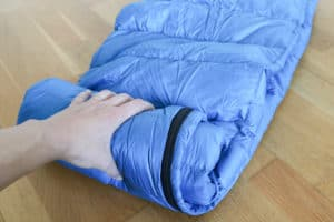 Alpin Loacker Sommerschlafsack gerollt